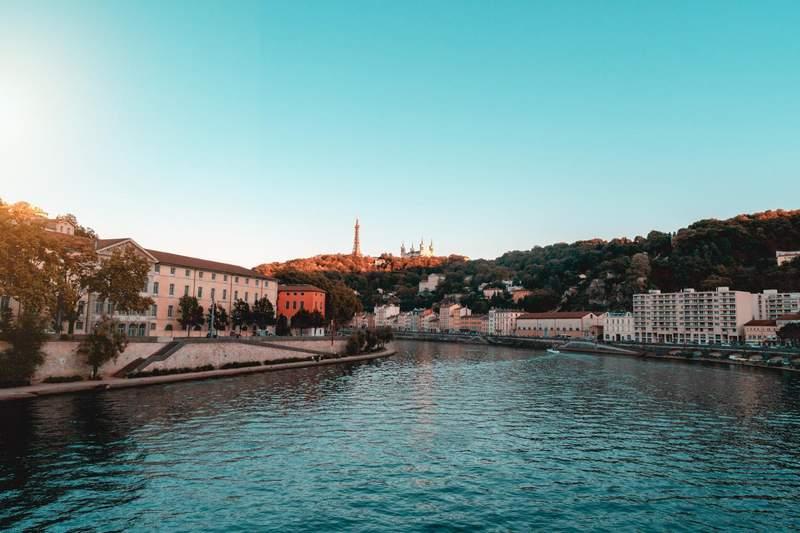 10 meilleures destinations pour partir en vacances en décembre Lyon France