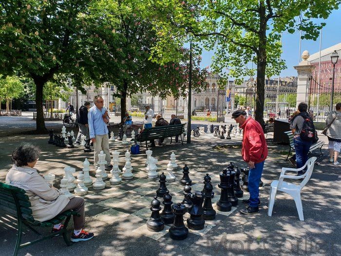 Visiter Genève en une journée parc et promenade des Bastions