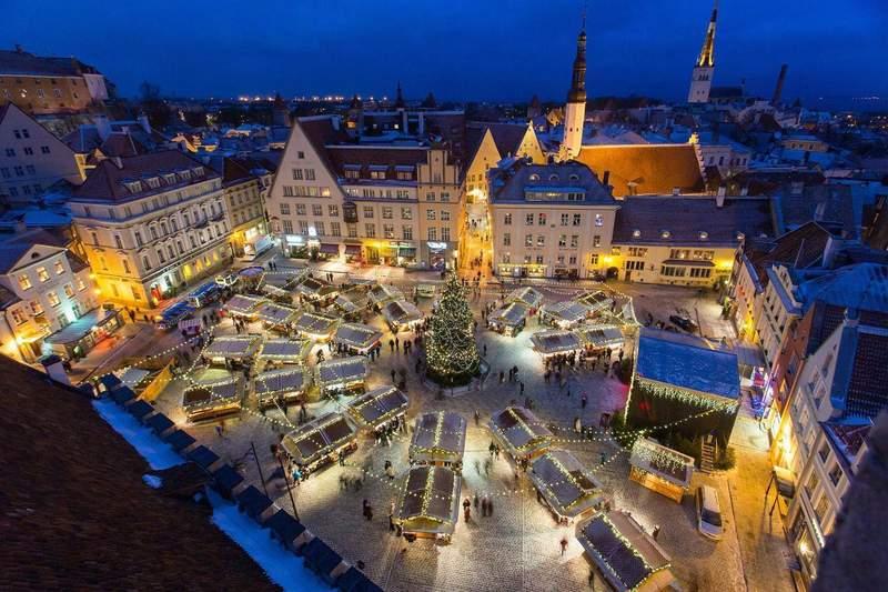 10 meilleures destinations pour partir en vacances en décembre Tallin Estonie